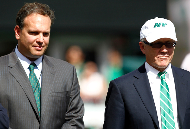 Mike Tannenbaum (l.) with Jets owner Woody Johnson. (Getty Images)
