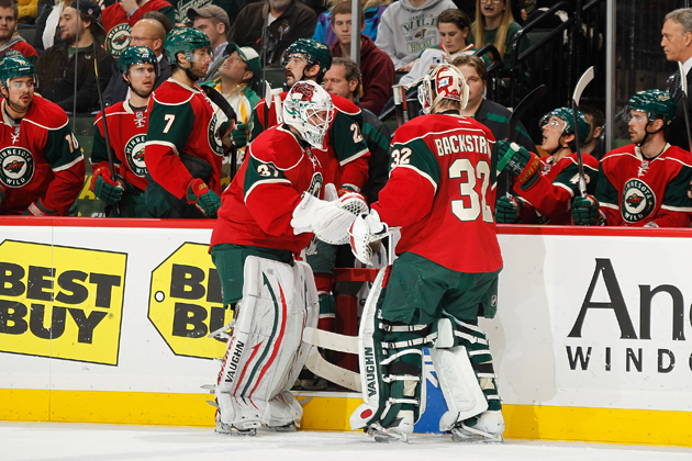 Niklas Backstrom injured in warm-ups; Josh Harding starts Game 1 for Wild with no backup