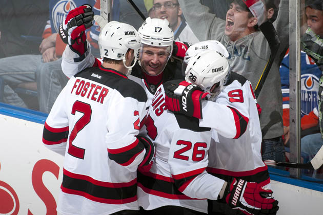 Super special New Jersey Devils hockey hug - Getty Images