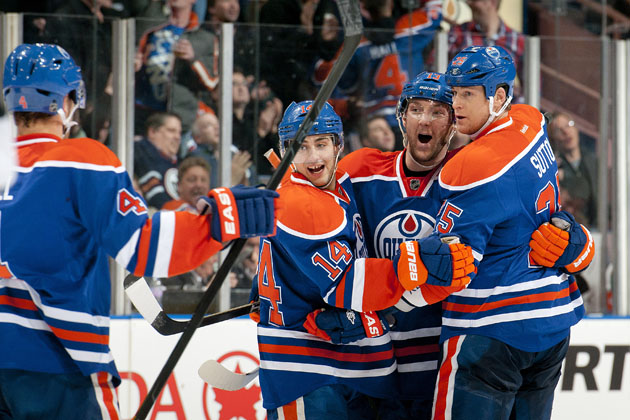 Edmonton Oilers hockey hug (Getty Images)