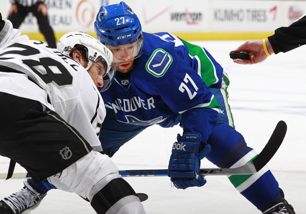 Canucks' Malhotra done for the year over concerns about his eye; retirement to come?