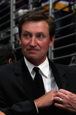 How has Wayne Gretzky escaped blame over Daryl Katz's adventure in Seattle?