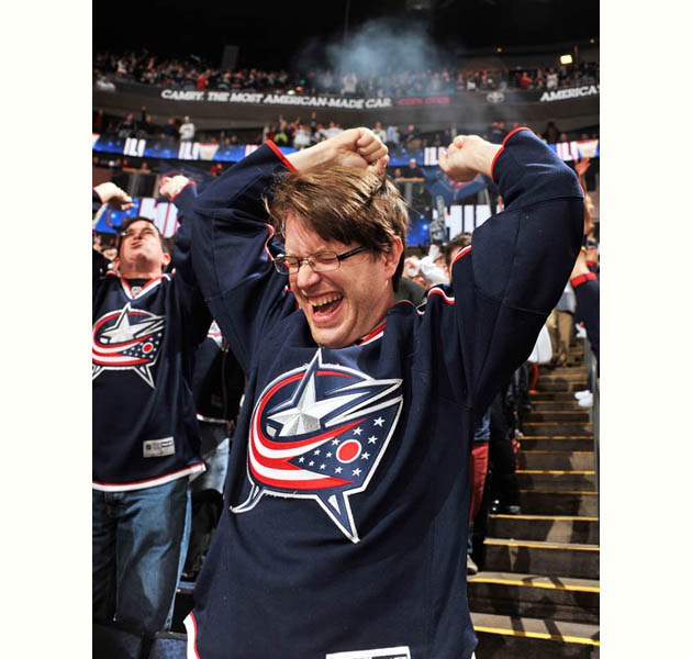 All hail exuberant Blue Jackets fan, for he is the greatest among us (PHOTO)