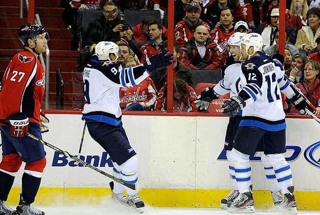 Winnipeg Jets scramble top line with Blake Wheeler, take out Capitals in DC