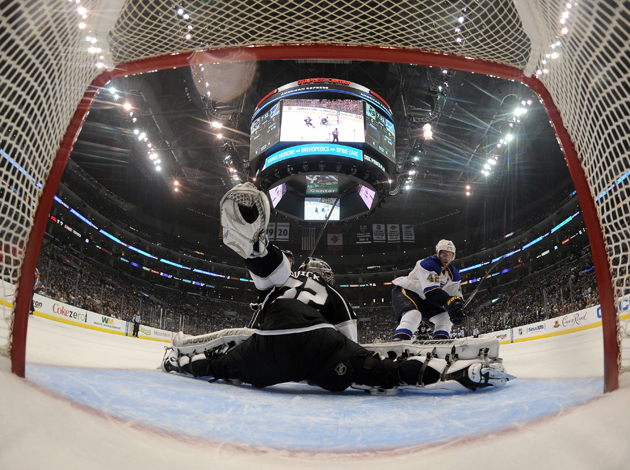 Quick's shutout, Voynov's goal propel Kings back into series with Game 3 win over Blues
