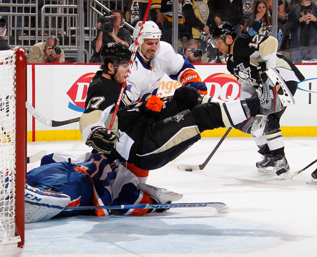 NHL Three Stars: Vokoun blanks Isles; Hossa, Conacher help clubs advance