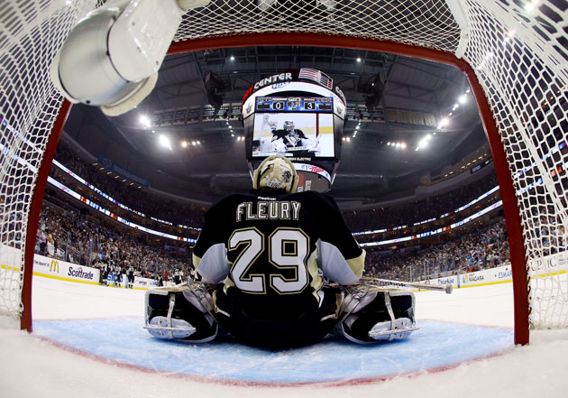 Penguins' coach Dan Bylsma supports Marc-Andre Fleury, 'this franchise's goalie'