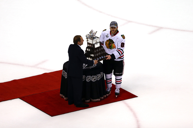 Patrick Kane wins the 2013 Conn Smythe Trophy, keeps USA's streak alive