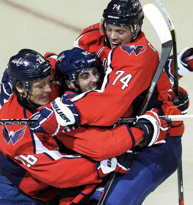 Washington Capitals Hockey Hug (AP)