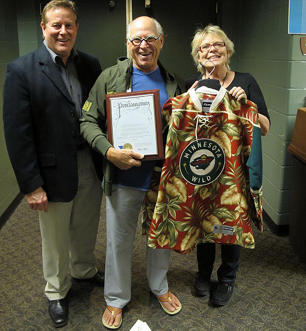 Jimmy Buffett Given World's Ugliest Minnesota Wild Jersey: Stitched Together From The Lobby Carpet Of A Ramada? (Photo)