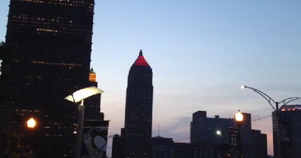 Pittsburgh's Gulf Tower turns into goal light for Penguins' playoff run (Video)