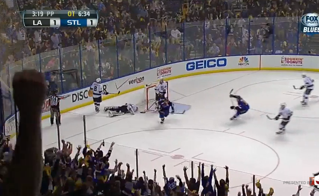 Alex Steen wins Game 1 for Blues after Jonathan Quick's stunning gaffe (Video)