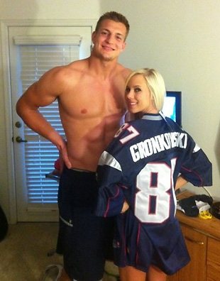 Jeremy Roenick believes Rob Gronkowski is 'the next best thing to Jesus Christ'