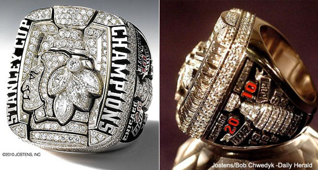 How does the Blackhawks' 2013 Cup ring compare to the 2010 edition? (Photo)