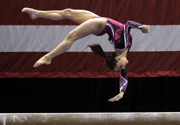 Jordyn Wieber on balance beam. (AP)