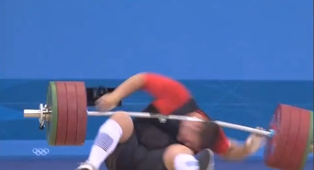 German weightlifter drops 432-pound barbell on his head, walks away (PHOTOS)