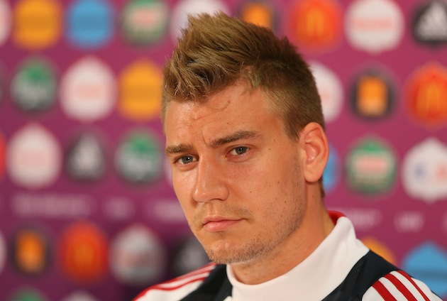 Nicklas Bendtner wondering what Nicklas Bendtner is doing right now. (Getty)