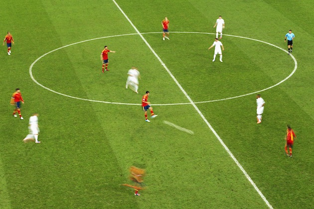 Spain blurring your vision with their endless passes. (Getty)