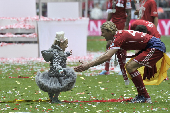 Anatoliy Tymoshchuk's daughter wins best dressed. (Getty)