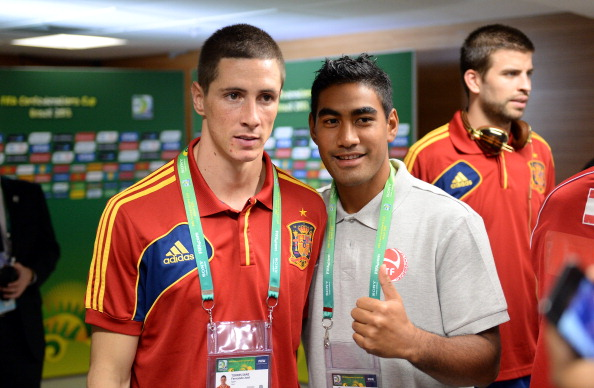 Torres with Tahiti's Rainui Aroita after the match. (Getty)