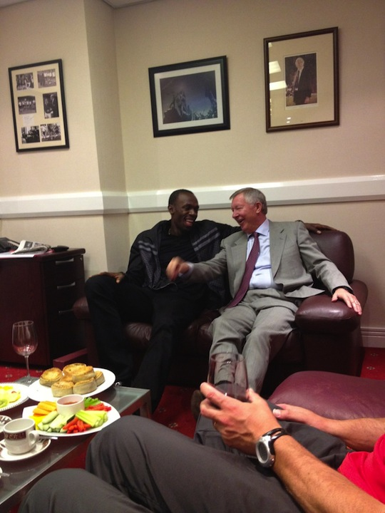 Bolt hangs out with Alex Ferguson at Old Trafford. (@UsainBolt)