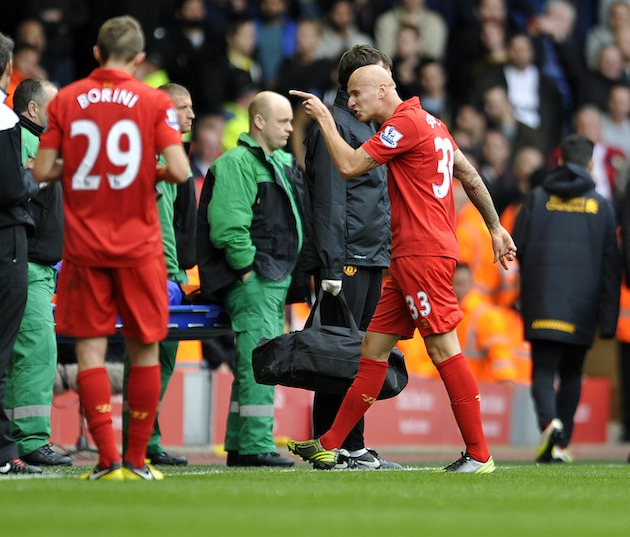 Jonjo Shelvey points the finger at Ferguson...literally. (AP)