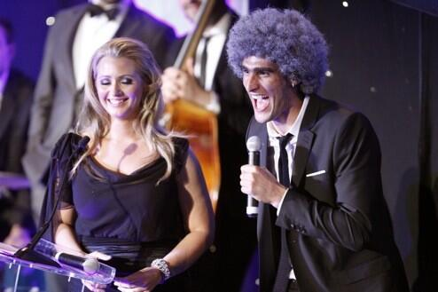 Fellaini with Hayley McQueen at Everton's awards show. (@Everton)