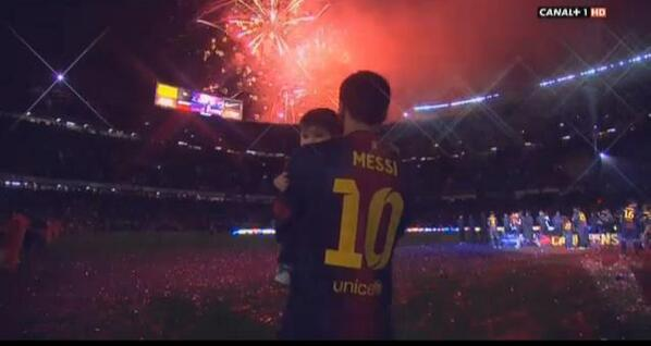 Lionel Messi's son didn't really enjoy taking part in Barcelona's trophy presentation