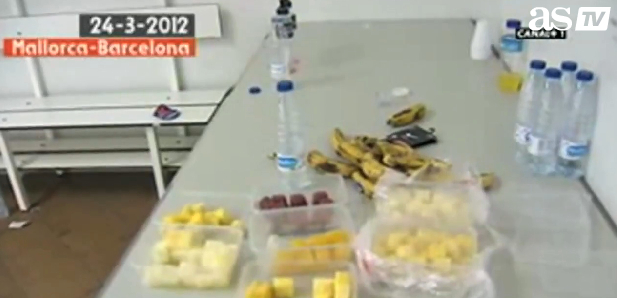 Fruit and water in the Barca dressing room.