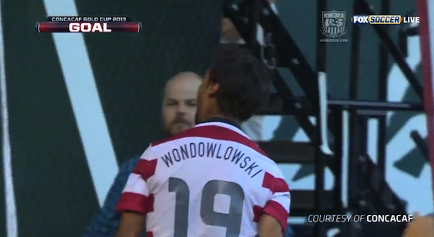 Chris Wondolowski's name misspelled on his U.S. national team shirt, scores hat trick anyway