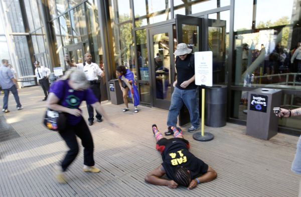 Police pepper-spray protestors at the National Air and Space Museum in Washington on Oct. 8, 2011. (AP)