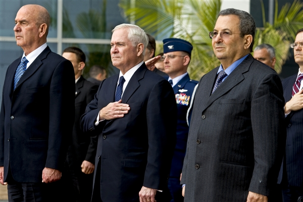 Defense Secretary Bob Gates and Israeli Defense Minister Ehud Barak in Tel Aviv March 24, 2011. (Cherie Cullen/Defense Dept.)
