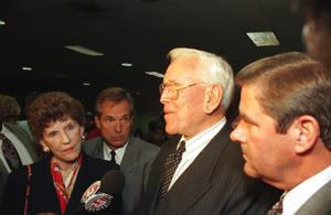 Arvella Schuller, left, and Rev. Robert Schuller, in 1998: AP Photo/John Hayes
