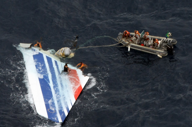 Sailors from Brazil's Navy recover the tail from the Air France jet in the Atlantic Ocean, June 2009. (AP)