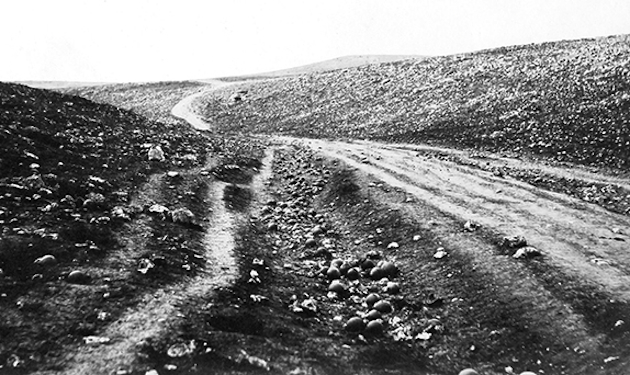 The original Fenton photo, without cannonballs in the road