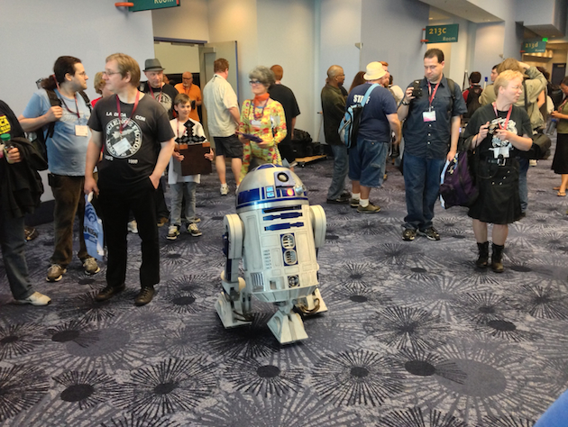 R2D2 greets the crowd at this year's Wondercon (Eric Pfeiffer/Yahoo)