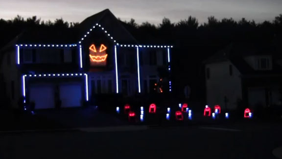 Halloween goes 'Gangnam Style' (VIDEO)