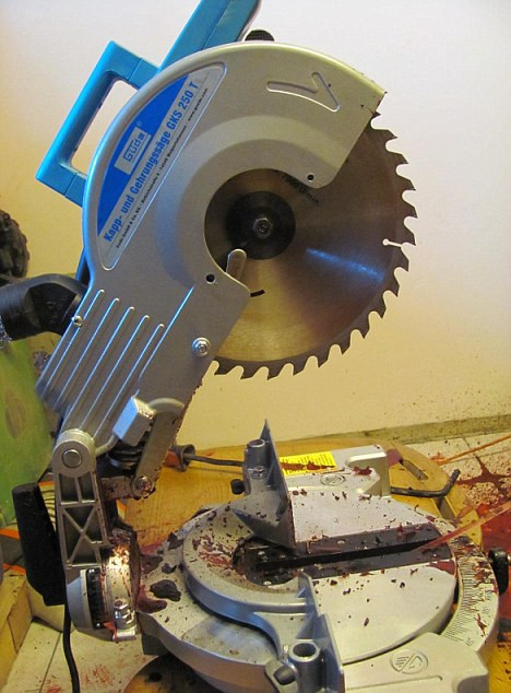 The circular saw used by Url. (Daily Mail)