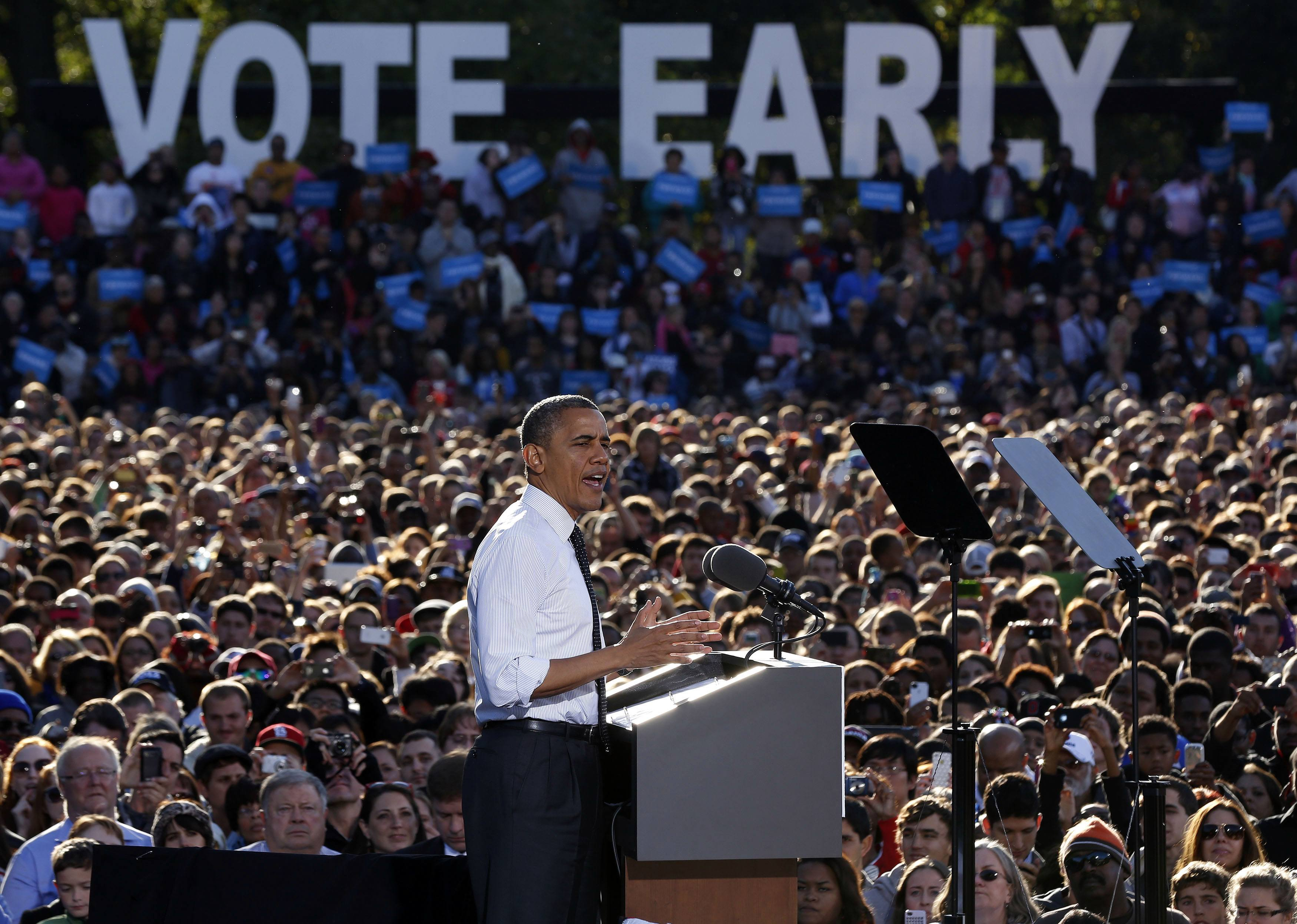 President Barack Obama speaks to a rally in The Oval at Ohio State University in Columbus, Ohio. (Larry Downing/Reuters)