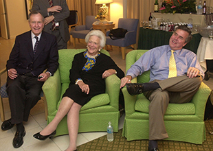 Barbara Bush with former President George H.W. Bush and Jeb Bush in 2002. (Joe Burbank/Getty Images)