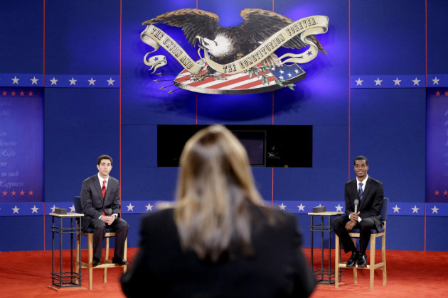 Candy Crowley rehearses with debate stand-ins for Mitt Romney and President Obama on Oct. 15, 2012. (David Goldman/AP)