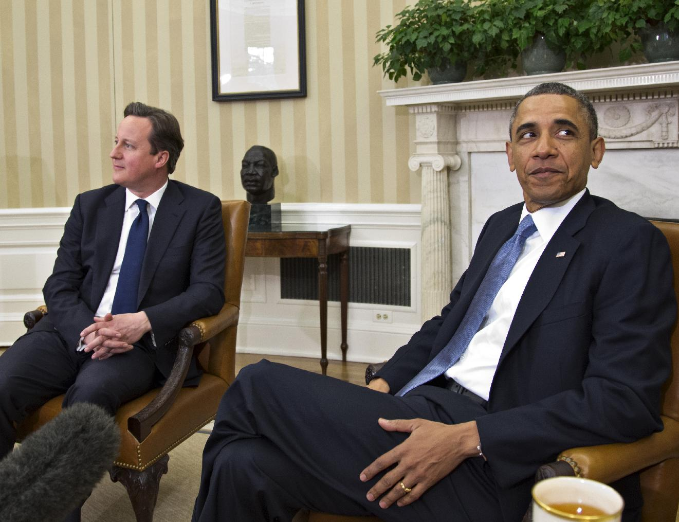 President Barack Obama and British Prime Minister David Cameron in the Oval Office on Monday, May 13, 2013. (J. Scott Applewhite/AP)