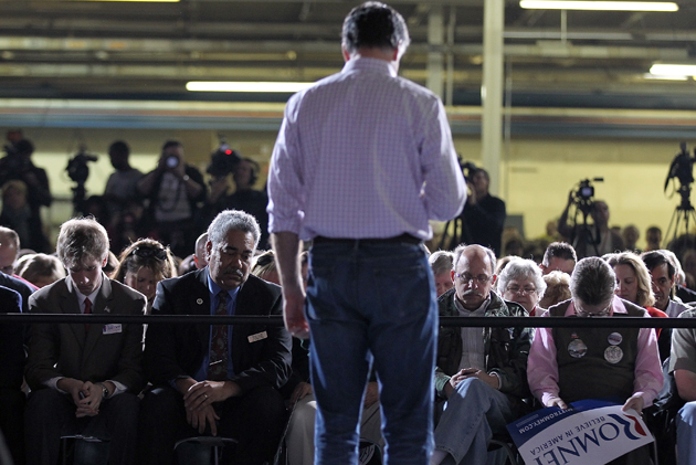 Romney leads a crowd in Dayton, Ohio, in a moment of silence (Justin Sullivan/Getty Images)