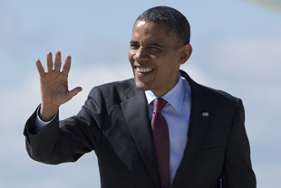 Obama arrives in Milwaukee (Carolyn Kaster/AP)