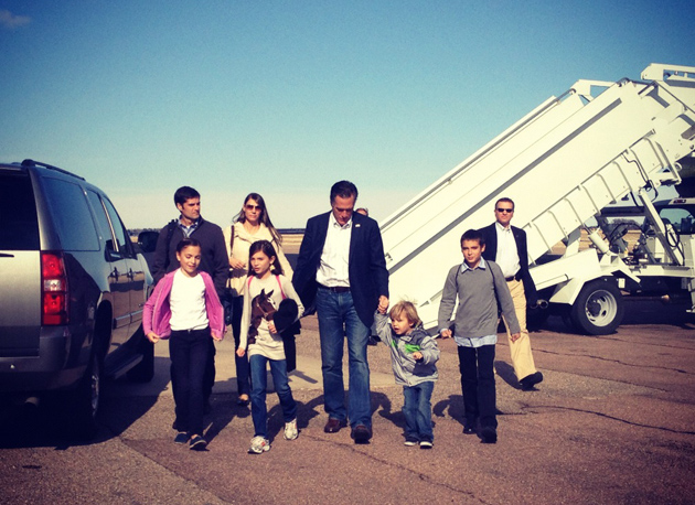 Mitt Romney and family in Colorado Springs. (Holly Bailey/Yahoo News)