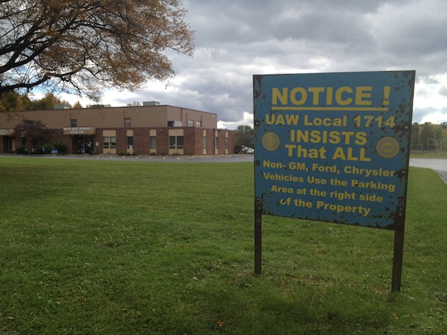 A sign outside United Auto Workers Local 1714 in Lordstown (Liz Goodwin/Yahoo!)