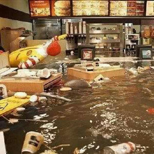 Image supposedly showing the inside of a McDonald's during superstorm Sandy