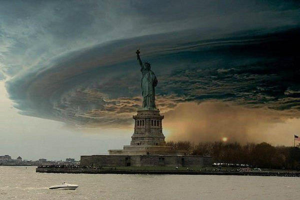 Fake Hurricane Sandy picture of the Statue of Liberty being shared on social media