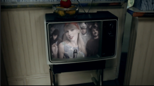 Taylor Swift, Framed