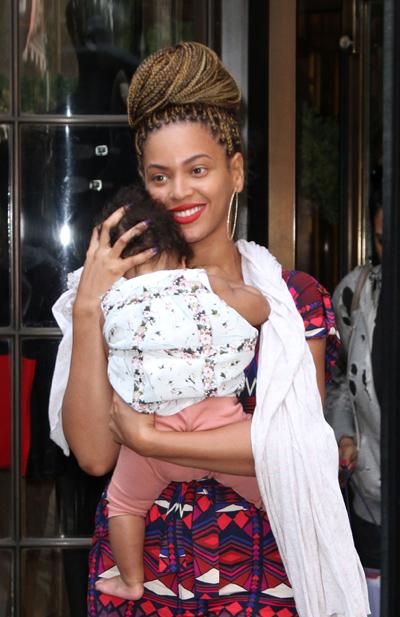 Beyoncé's Newest Look: Long Box Braids!